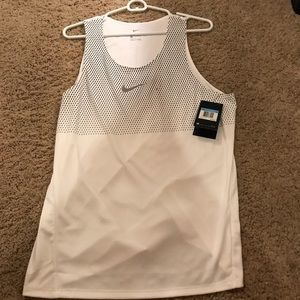 NIKE Athletic Running Tank with pattern